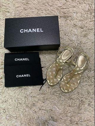 CHANEL 絕美經典格紋金logo涼鞋
