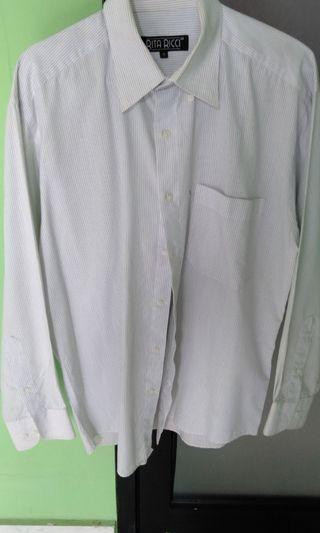 Kemeja putih cowok