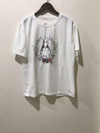 🚚 超可❤️ 兔兔釘珠雕花珍珠上衣