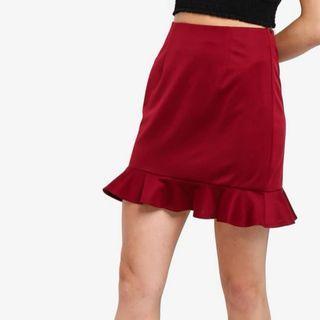 ✨ BNWT something borrowed maroon fluted hem skirt