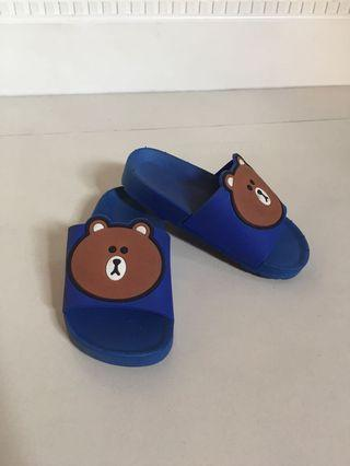 🚚 Toddler Shoes Bear US Size 7
