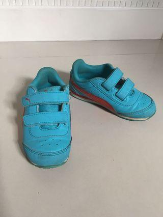 Toddler Shoes PUMA US Size 8 with lights
