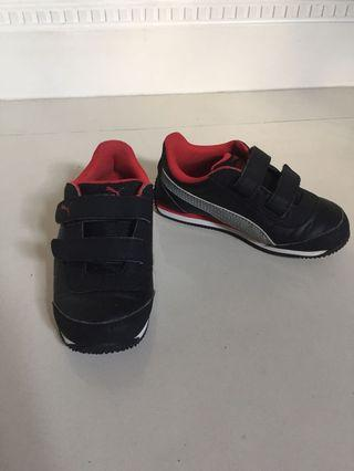 Toddler Shoes PUMA US Size 9 with lights