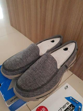 SKECHERS go Walk Charcoal  cruise size 9  42.5 sepatu no adidas nike puma converse