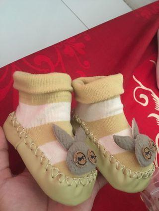 Sepatu kaos kaki import new