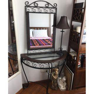 Vanity Table and Mirror Set with Lamp