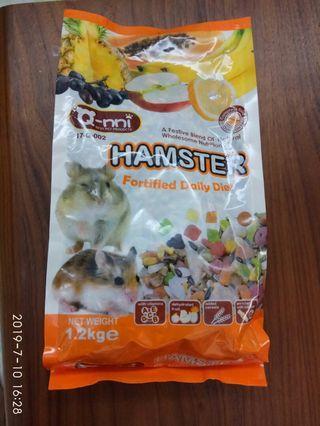 只有1包要買要快☆🐻珍愛買時尚精品☆全新~小倉鼠水果大餐1.2kg