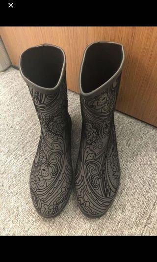 🈹二手特價🈹韓國灰黑絨面印花雨靴40碼