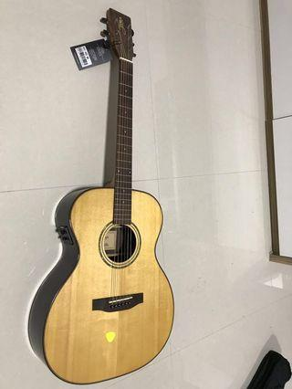 🚚 (NEG )Tyma acoustic guitar hfe400 (usual price is $520)
