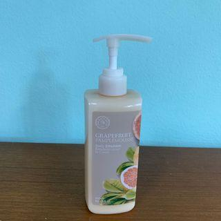 🚚 The Face Shop Grapefruit Body Emulsion