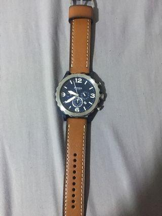 🚚 Fossil Leather Watch