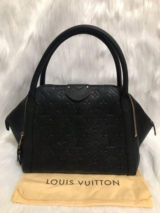🚚 [FINAL 1800$]Louis Vuitton Marais MM Black Empriente Leather