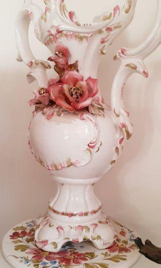 Vas Bunga Porselen
