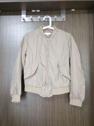 Almost new Uniqlo MA1 quilted Jacket Beige