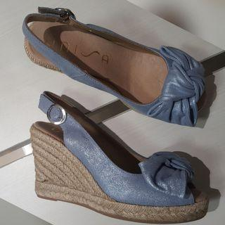 New - Unisa Cande mts blue wedges