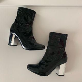 Black Boots w/ Mirror Heel Size 5.5