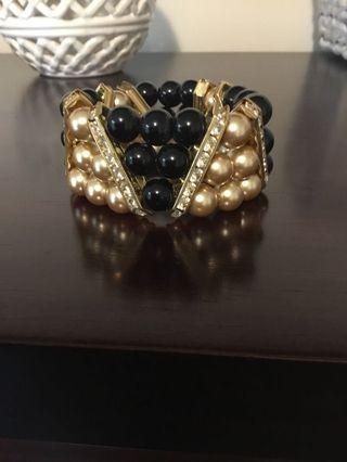 Womens Black & Gold Bracelet