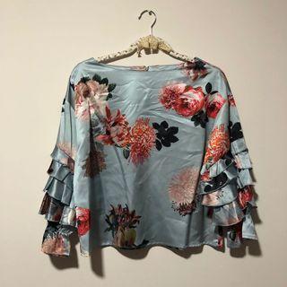 🚚 BYSI Floral Ruffle Sleeve Silk Top