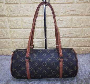 98439319c2474 Preloved Louis Vuitton PAPILLON 26. PHP 2,800. In Excellent Condition ...