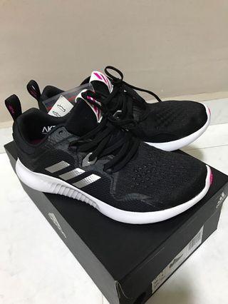 BN Authentic Adidas Lady Shoe US 7.5