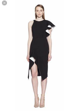 Aijek Ruffled Dress - Black Colour
