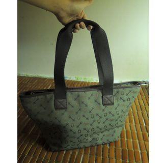 Why 綠色tote bag