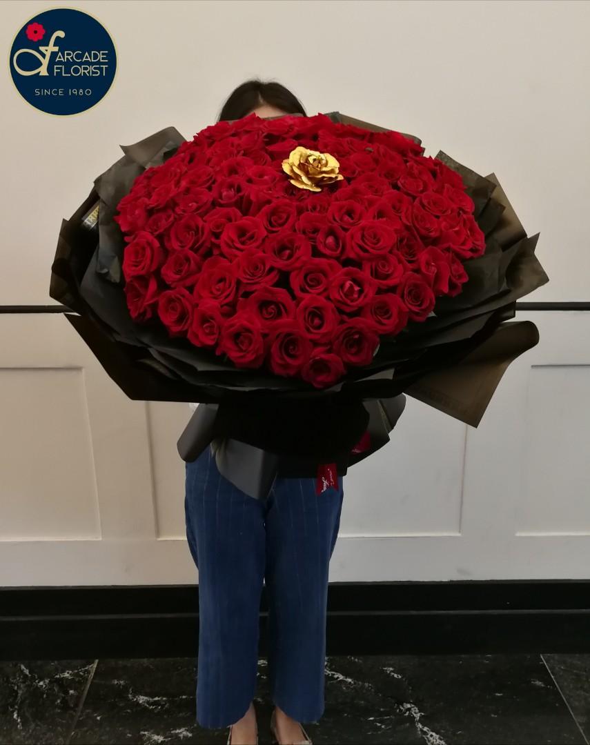 99 stalks Red🔴 Roses🌹w/ 1 stalk Gold Rose (Fresh Flower ❤️ Bouquet💐) | Rose Flower | Flower Bouquet | Flower | Flowers | Fresh Flower | Rose | Roses | Valentine's Day | 母亲节 | Mother's Day Bouquet | Valentine's Day Flower | Anniversary Bouquet