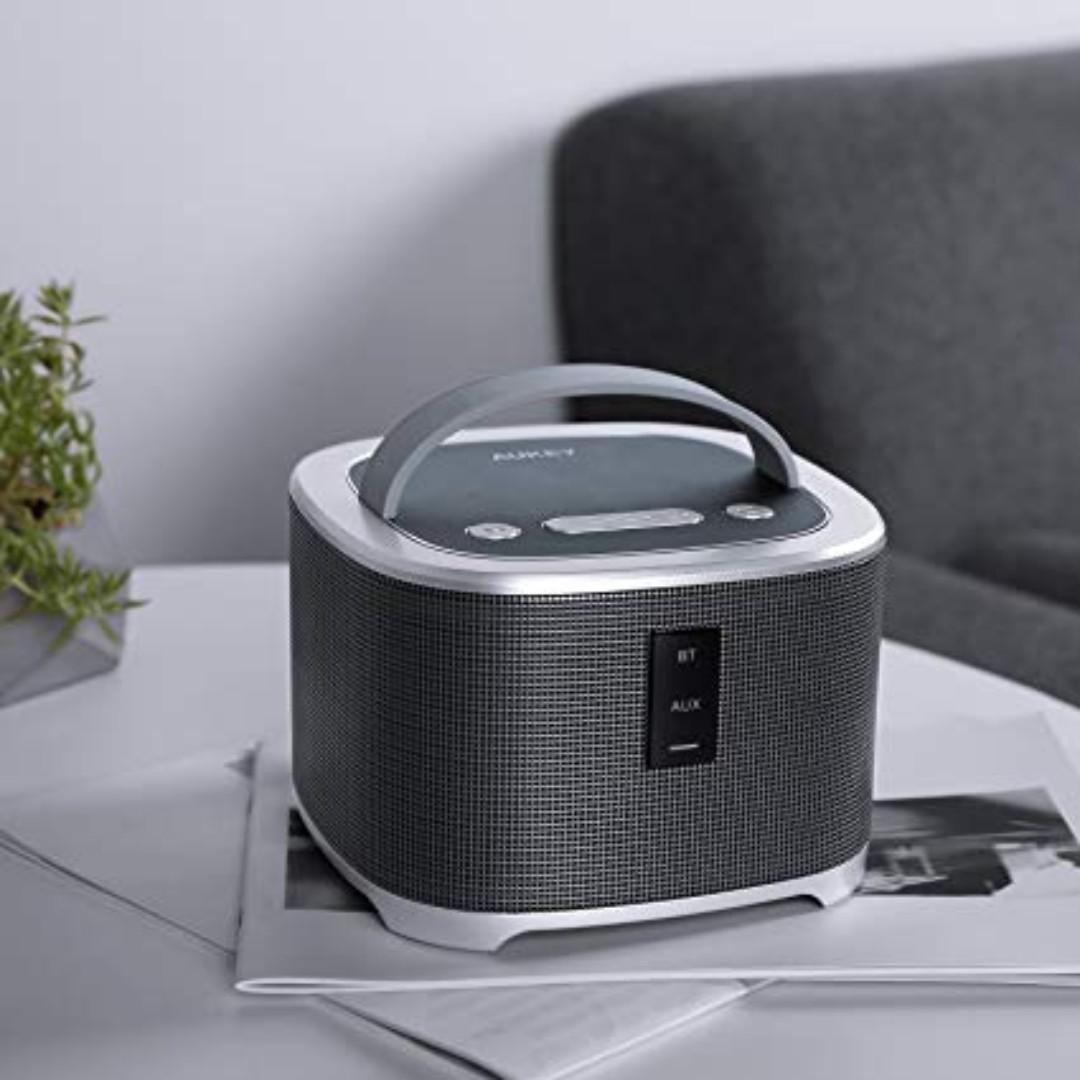 AUKEY Bluetooth Speaker with Enhanced Bass via Dedicated Subwoofer Dock Speaker