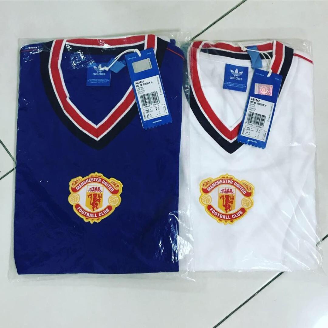 online store a8d94 1157a Authentic Adidas Originals Manchester United 85 Retro Jersey ...