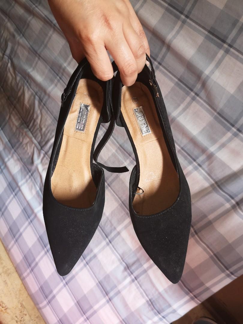 Black heels size 8 closed toe suede
