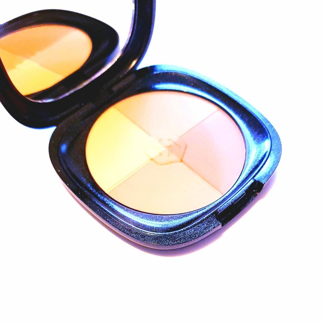 Kiko Milano Dark Treasure Light to Medium All in One Cosmetics Compact Baked Bronzer