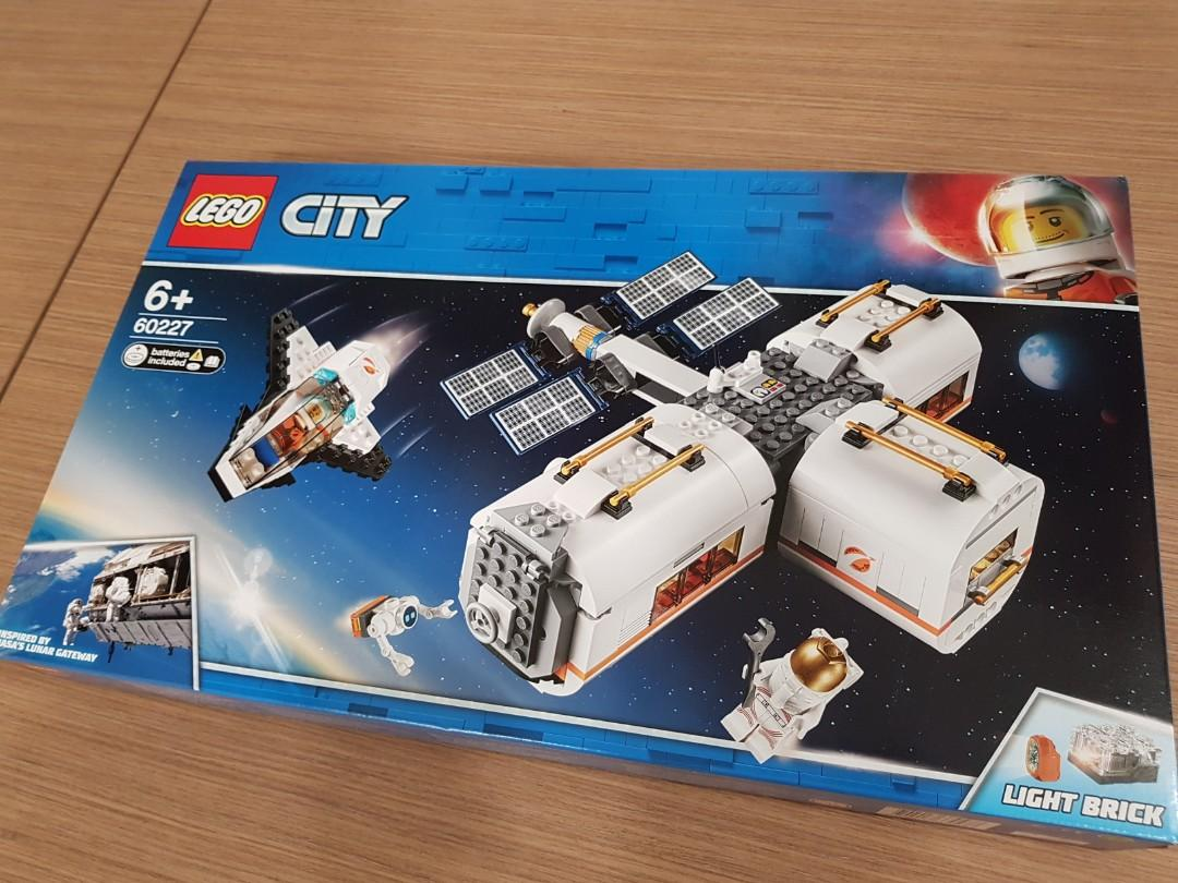 *Price Drop* MISB LEGO 60227 Lunar Space Station