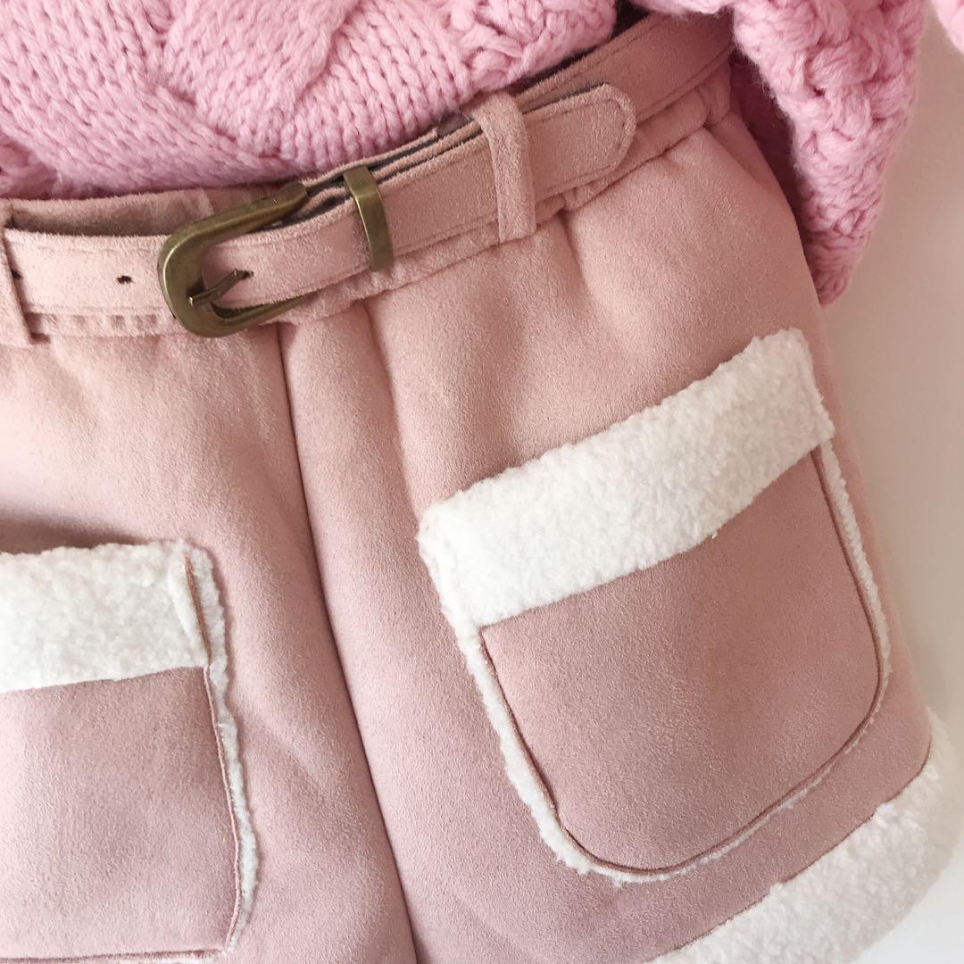 *NEW* Girls Shearling belted Shorts Size 8-9