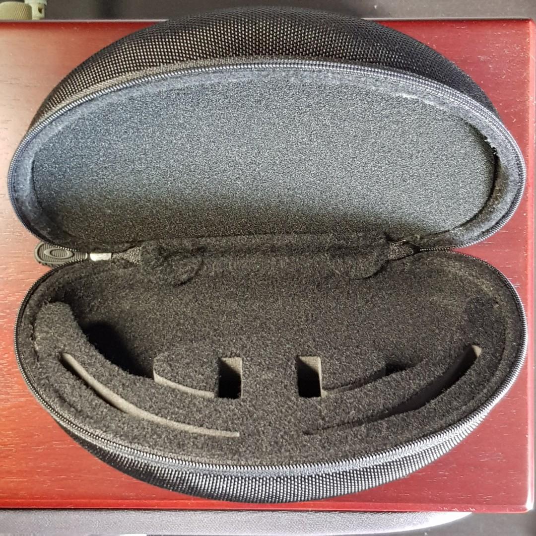 Oakley Sport Vault Sunglass Case