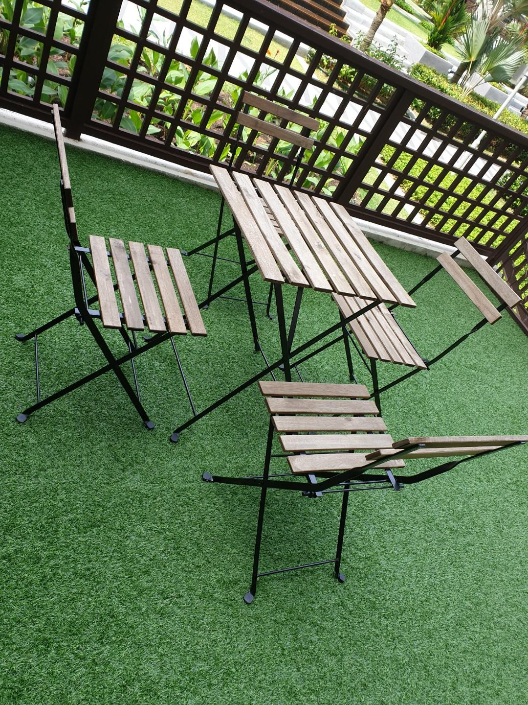 Outdoor Furniture Set Table And 4