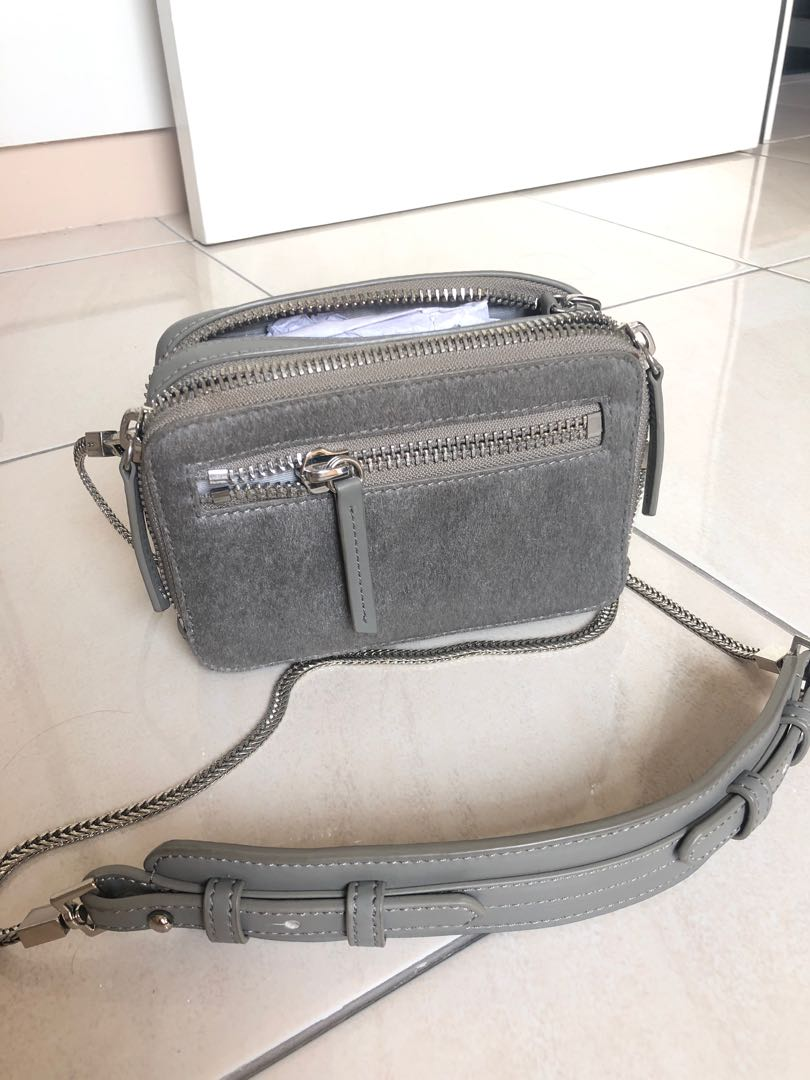 Sling bag / cnk / c&k / charles and keith