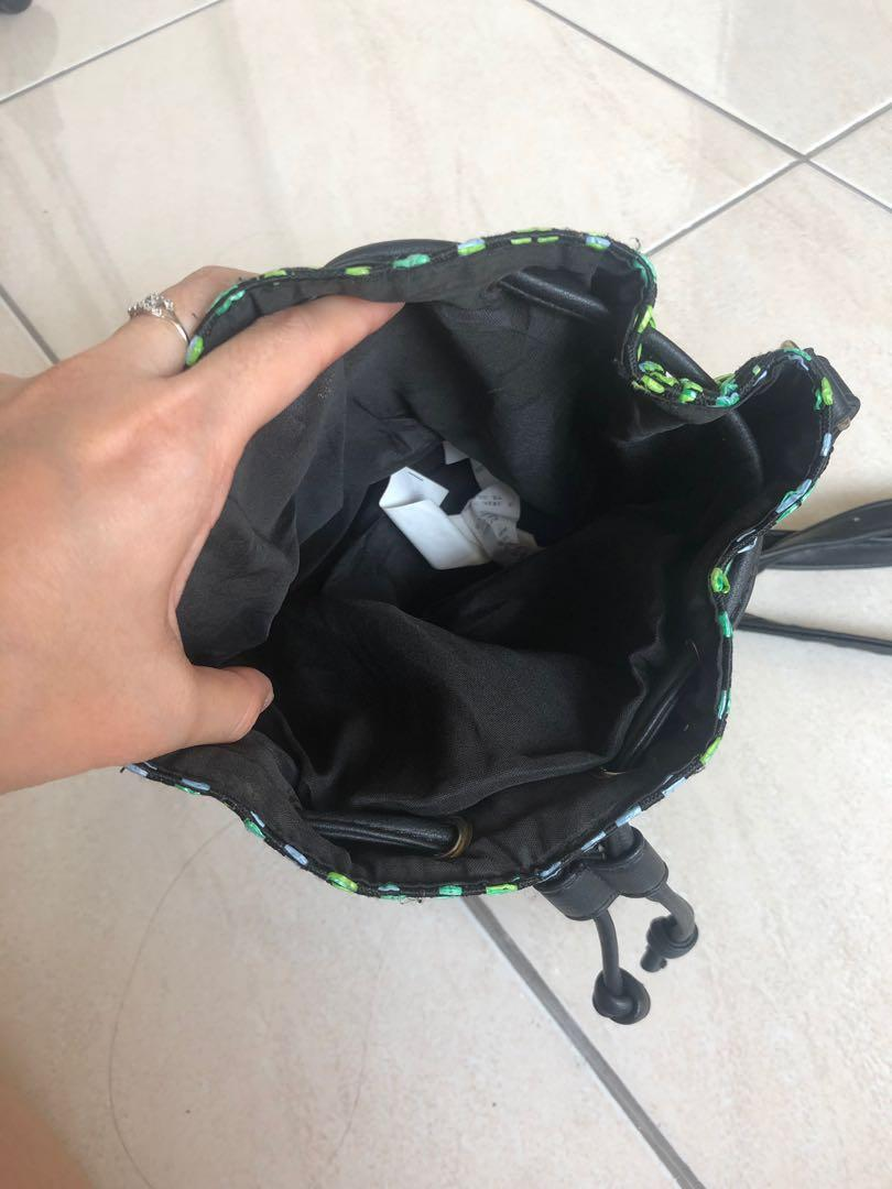 Sling Bag / cotton on / rubi
