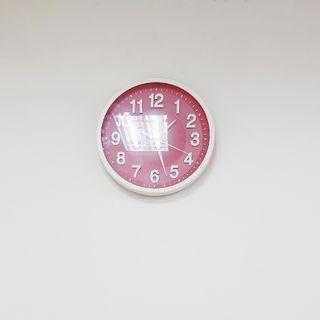 🚚 紅底時鐘 掛鐘