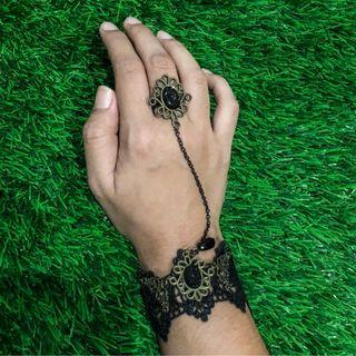 Bracelet Choker with Ring