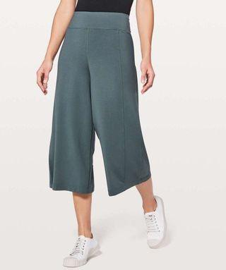 Lululemon Blissed Out Culottes Pants Sz 2