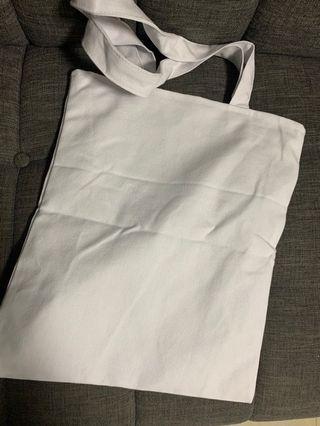 🚚 Canvas Tote Bag - White