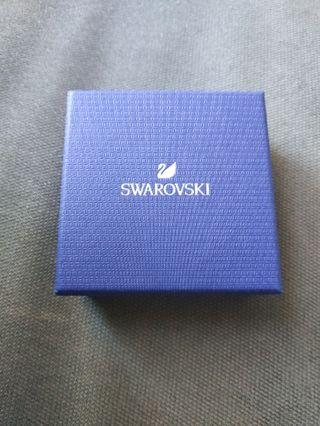 🚚 BNWB Swarovski Diamond Earring
