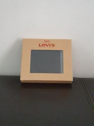 BNIB Levi's  Wallet