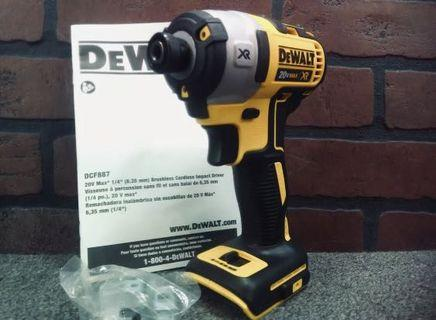 DEWALT DCF887 XR Brushless Lithium-Ion Impact Driver, 18 V