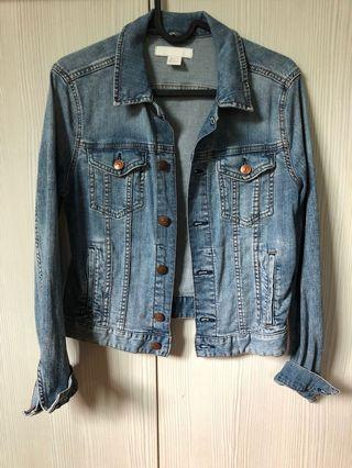 H&M denim jacket #MGAG101 #JuneToGo