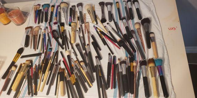 Makeup Brush Cleaning Service