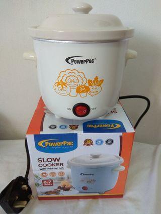 Slow Cooker w ceramic pot 0.7L