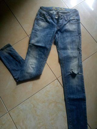Jeans denim ninety degrees