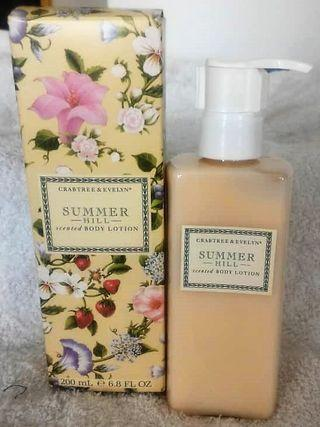 Crabtree & Evelyn Summer Hill Body Lotion with Hello Kitty cosmetic Bag