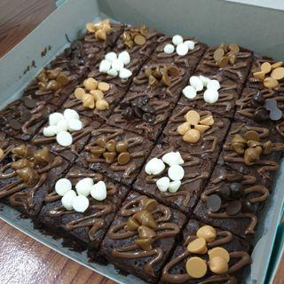 Brownies nutella + chochip topping murah
